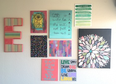 Gallery wall dorm